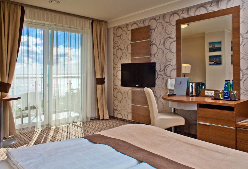 pokoje i restauracja hotel77